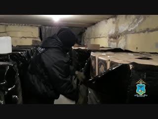 В Старом Осколе задержаны подозреваемые в хранении и сбыте крупной партии немаркированного алкоголя