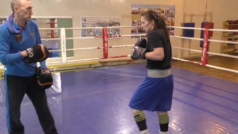 Школа бокса Фролова: сближение - удар по печени - правый сбоку