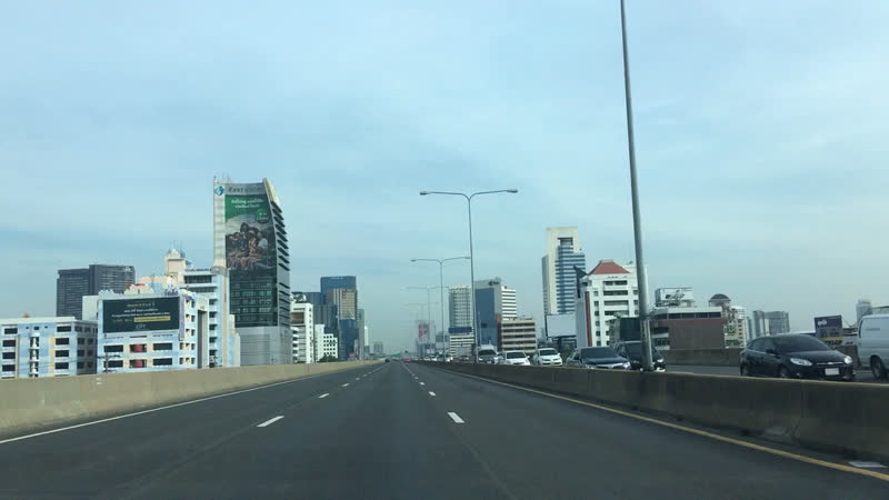 На платных дорогах Бангкока