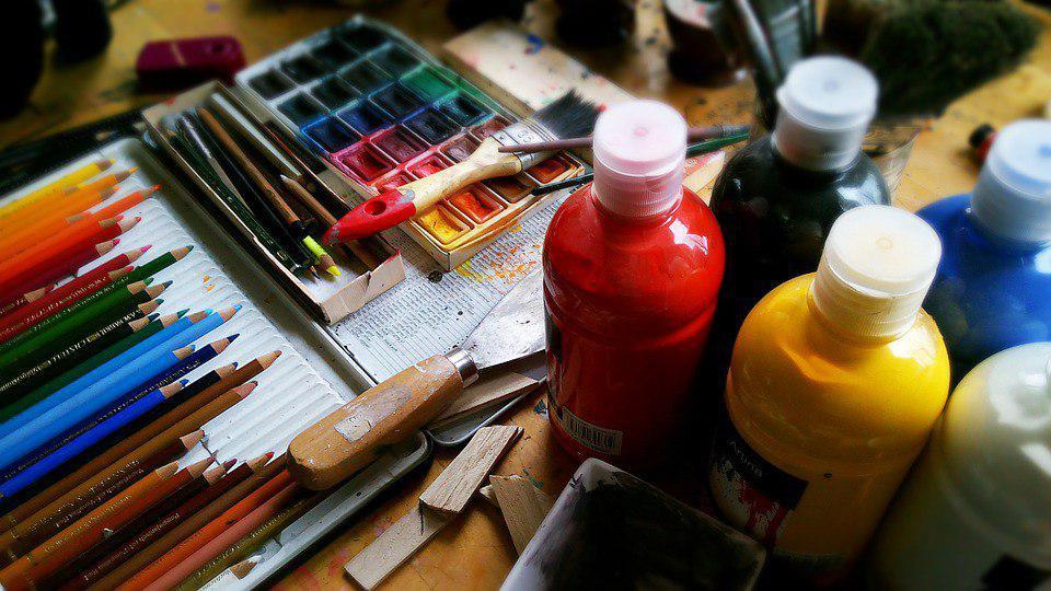 Неподалеку от Некрасовки открылась выставка графических и живописных работ «Городской пейзаж»