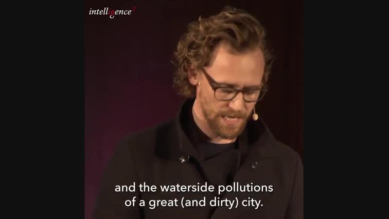 Tom Hiddleston reading 'Bleak House' at Dickens vs Tolstoy Debate, October 2, 2018