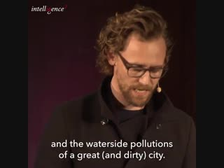 Tom Hiddleston reading 'Bleak House' at Dickens vs Tolstoy Debate, October 2, 2018