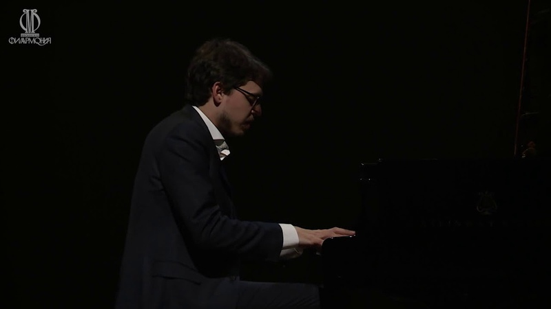 Lucas Debargue - J.S. Bach Toccata c-moll BWV 911