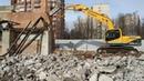 Демонтаж здания завода Светлана экскаватором с гидромолотом. Пр. Энгельса д. 27 литера Л.