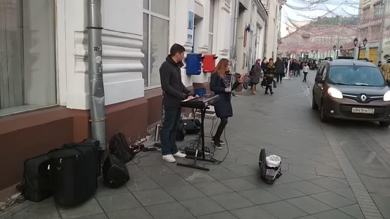 Москва, Красная площадь. Атмосфера как в Париже, в замке Людовика 14го, Короля Солнца