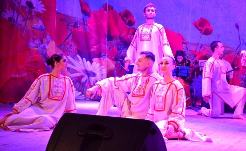 Ансамбль «Раздолье» представил новую театрализованную постановку «Благовест казачьей души»