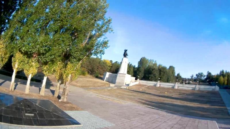 Памятник Татищеву осень 2018