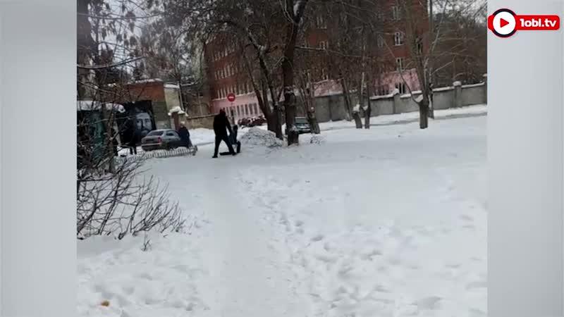 Пьяный напал на ребенка .Челябинск