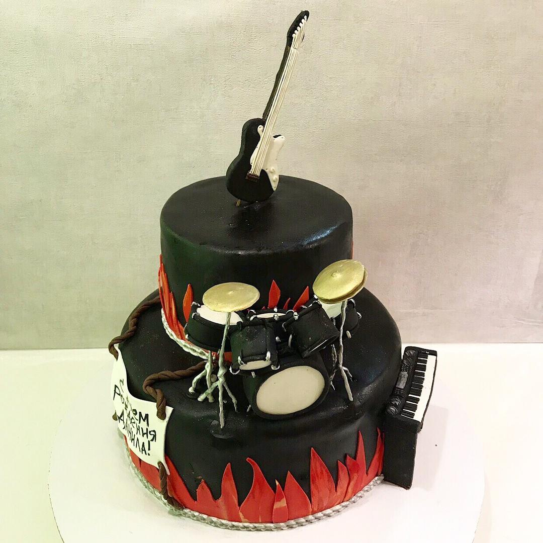 Торт с музыкальными инструментами (Арт. 341)