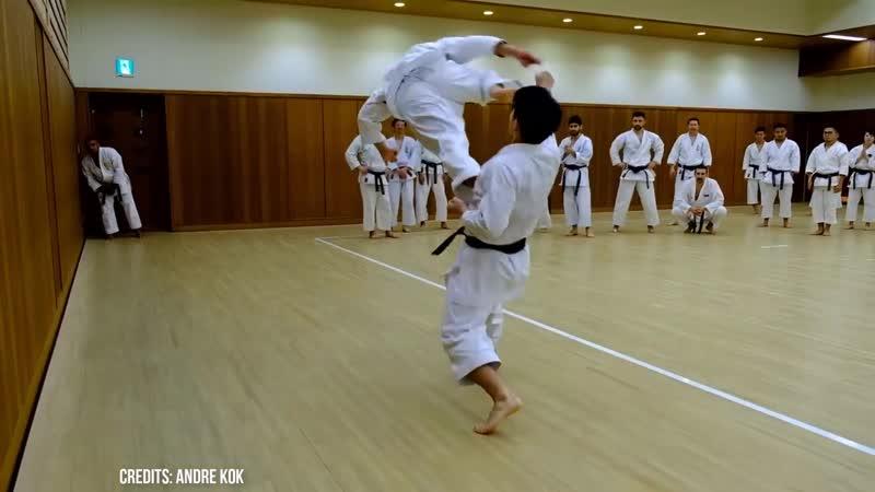 Koji Arimoto shows Unsu jump