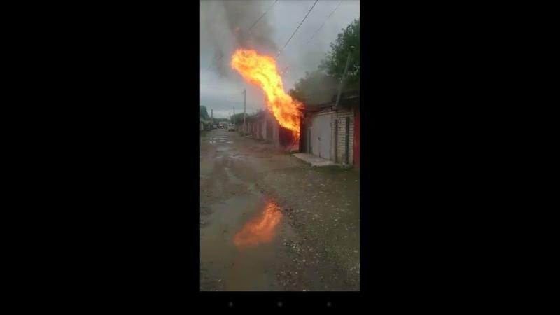 ЖЕСТЬ.Взрыв газового баллона в гараже.Черкесск 1.06.2018г