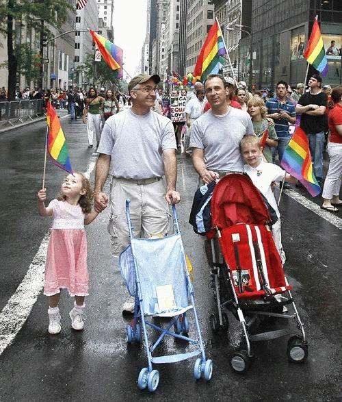 Усыновление и воспитание детей в однополых парах в разных странах мира
