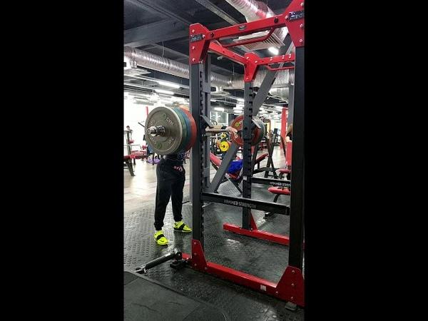Жимовой швунг штанги 145 кг. Push press from the rack 145 kg.