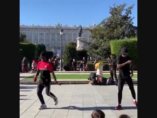 Street dancers - 'dangerous', spain