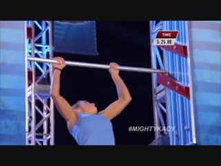 Девушка совершила чудо на шоу «Ninja Warrior»