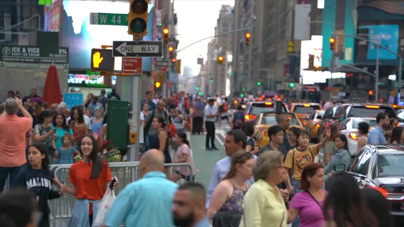 LIVING IN NEW YORK CITY: Why New Yorkers Don't Own Cars