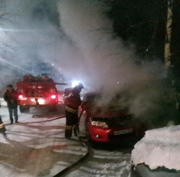 Ночью 3 января по адресу пр. Мира, 29 горел автомобиль марки «Тойота»
