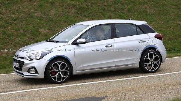 Фотошпионы впервые сняли прототип Hyundai i20 N. Слухи оказались правдой Hyundai начала тесты спортивной версии компактного хэтчбека i20. Новый Hyundai i20 N фотошпионы застали на дорожных
