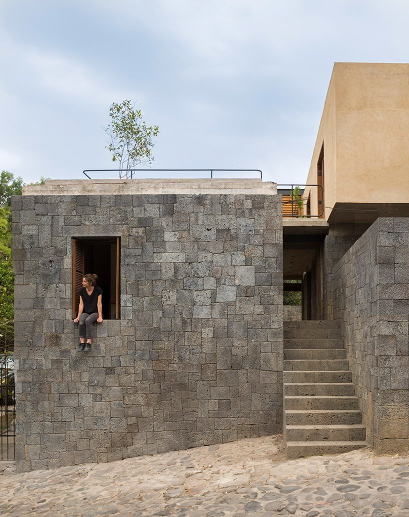 REA designs a stone house with an artisanal touch in the heartland of aztec culture