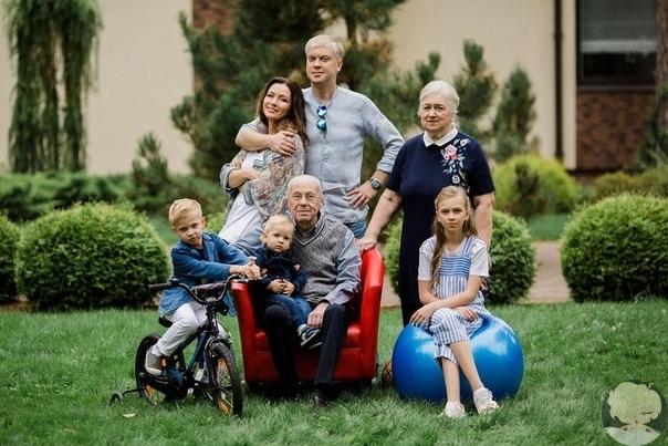 Сергей Светлаков впервые показал фото младшего сына