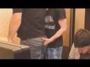 Вазелинк делает массаж простаты