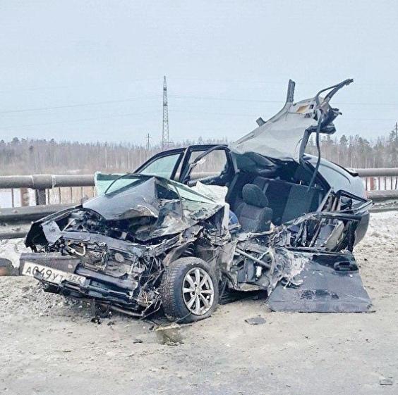 Очередное смертельное ДТП под Нефтеюганском. Пострадало четыре человека, из них двое погибли В районе