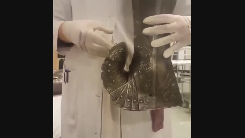 К вопросу об удобстве и практичности доспехов. Это сабатон (латный ботинок) 1560-х годов шведского короля Эрика XIV.
