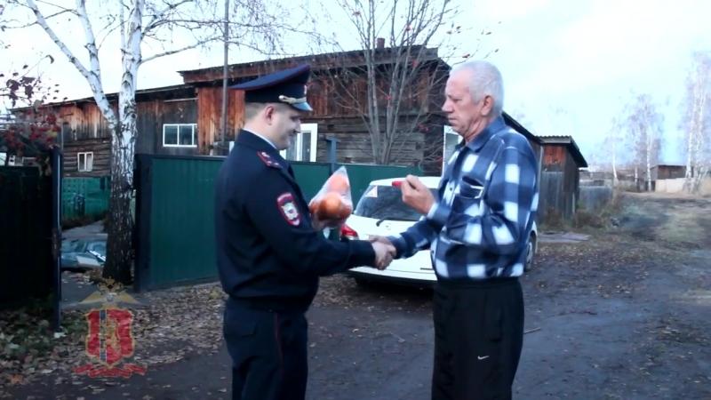 На юге Красноярского края офицер полиции спас мужчину, упавшего из лодки в реку
