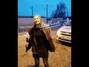 Засунула полицейский жезл в рот, девушка из Ростова-на-Дону