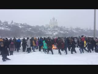 Фотосессия для зрителей после окончания реконструкции освобождения Ельца