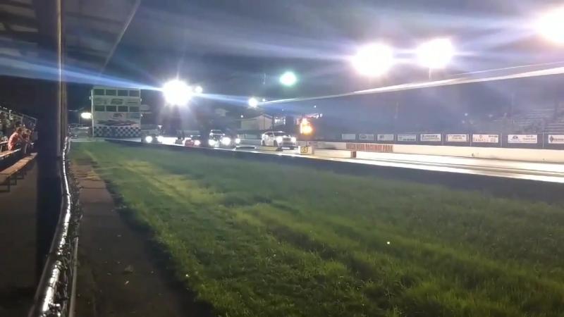 Jeep SRT TrackHawk vs Chevrolet Corvette C6