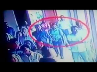 La vidéo , du terroristes islamistes, qui s'est fait exploser , dans une église , au #srilanka