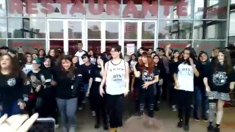 Armys dançando twice