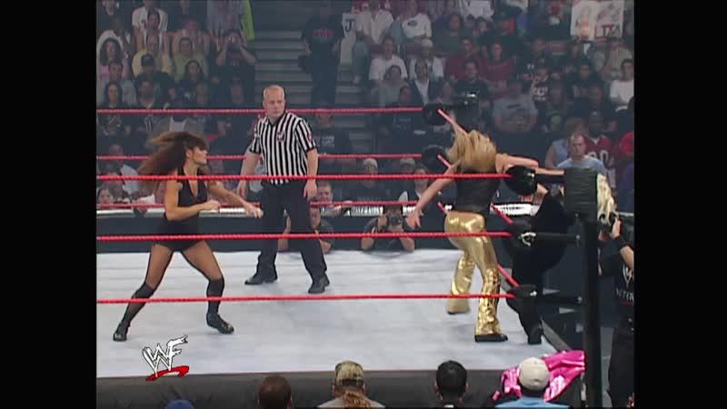 WWF Raw Is War 22.10.2001 - Trish Stratus Lita vs Ivory Mighty Molly