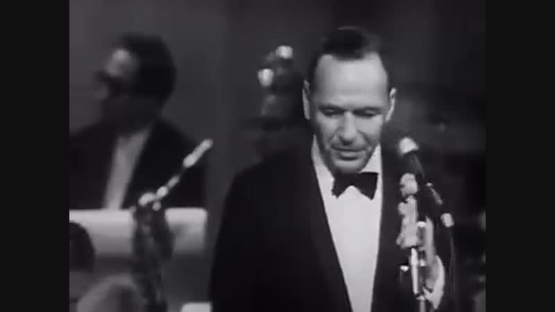 MicroPhone - Frank Sinatra - Fly Me To The Moon
