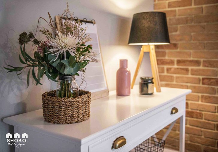 Квартира блогера с кирпичной стеной и садом в Польше