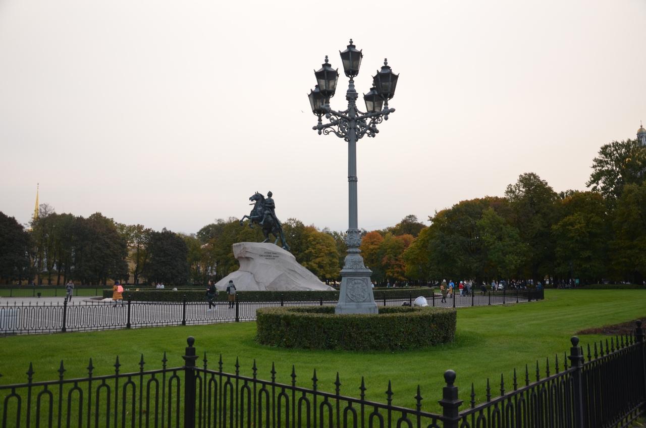 vK1MZ-vHGVk Сенатская площадь в Санкт-Петербурге.