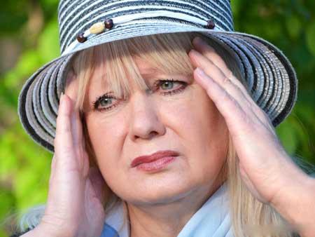 Побочные эффекты прокаина могут включать головокружение.