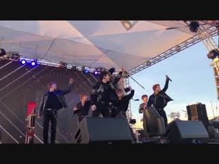 [FC|VK][30.11.2018] KIIS Jingle Ball Village in Los Angeles - Dramarama