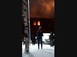 Пожар напротив архангельского морского кадетского корпуса