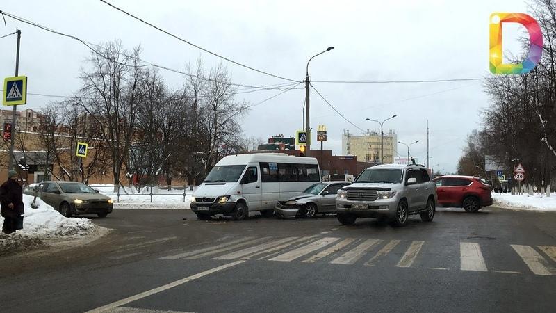 Лихие маршрутки ни недели без аварий Новости Долгопрудного