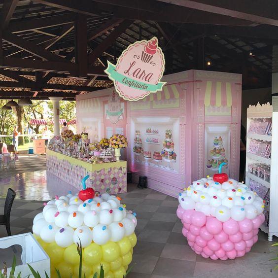 Создаём праздничное настроение с помощью декора шарами