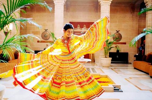 Приянка Чопра / Priyanka Chopra - Страница 12 7azhruIcFiY