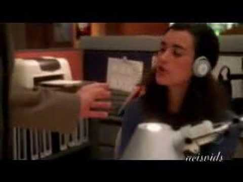 NCIS - Tony and Ziva - can't touch this