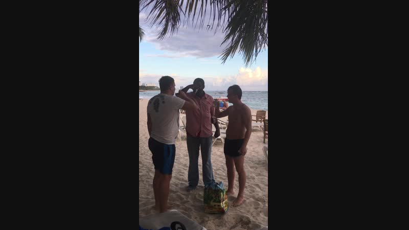Доминикана Хуан Долио 15 видео Выпить с доминиканцем, который нагрел тебя на 6 долларов
