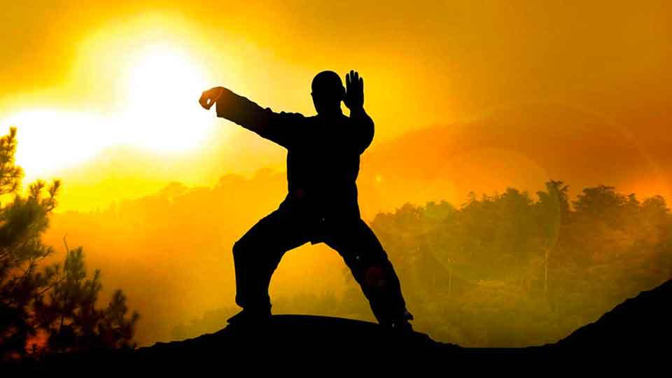 Китайская целительная гимнастика Тай Чи: польза для здоровья, показания и противопоказания. Советы для начинающих. Комплекс упражнений.