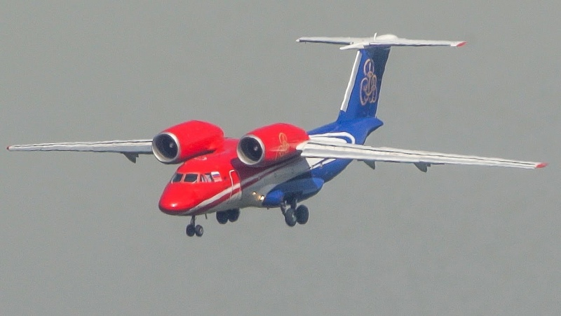 ANTONOV AN-74 nose down LANDING - The weirdest plane in the world? (4K)