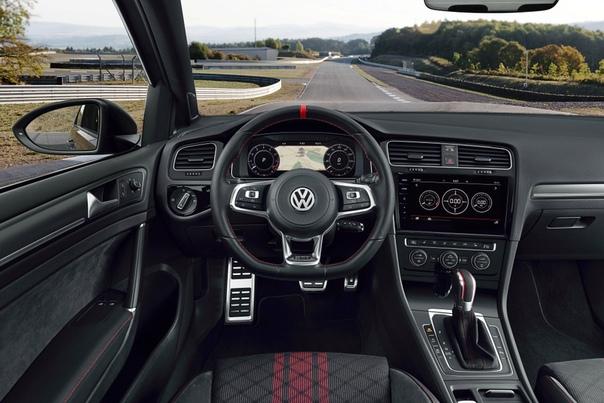 Volswagen Golf GTI TCR (Typ 5G) Двигатель: 2.0 R4 Turbo Мощность: 290 л.с. при 5400-6400 об/мин Крутящий момент: 380 Нм при 1950-5300 об/мин Трансмиссия: Робот 7 ступ. Макс. скорость: 250 км/ч