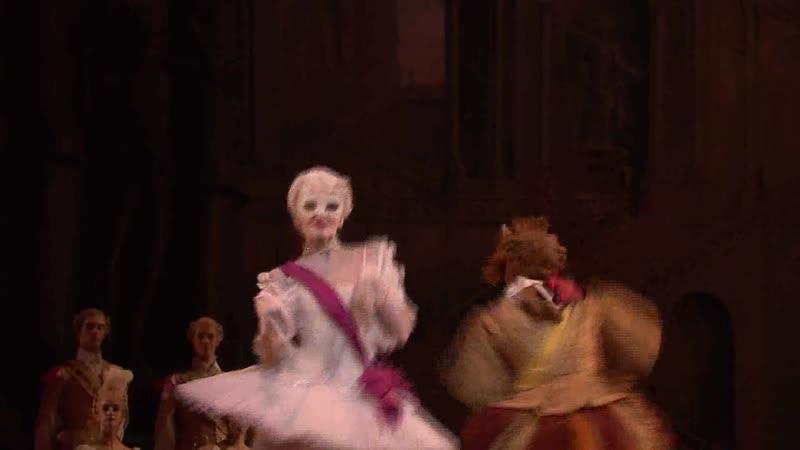 танец белой кошки и кота в сапогах в балетеСпящая красавица
