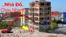 Cận cảnh Ngôi Nhà Sụp đổ, Kỹ thuật Phá dỡ tòa Nhà cao tầng bằng Máy Xúc (Part 2)